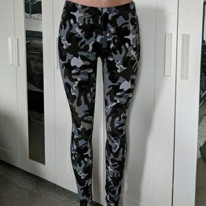 Nike camo leggings Nwt